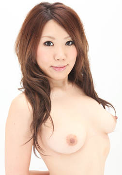 Japanese Models Available for Shooting Pics and Videos