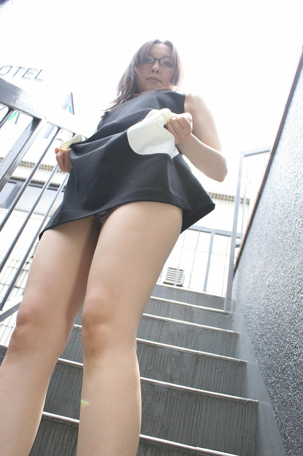 Time for Some Hot Japanese Milf Upskirt Action