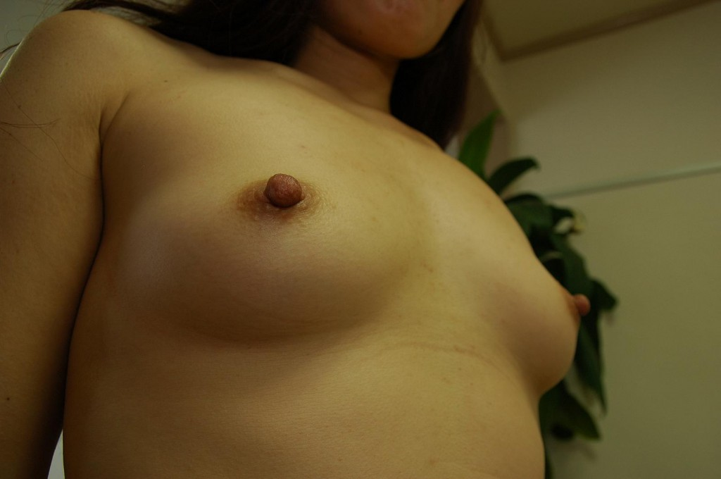 Super Nipples of Japanese MILF Chieko Kitani