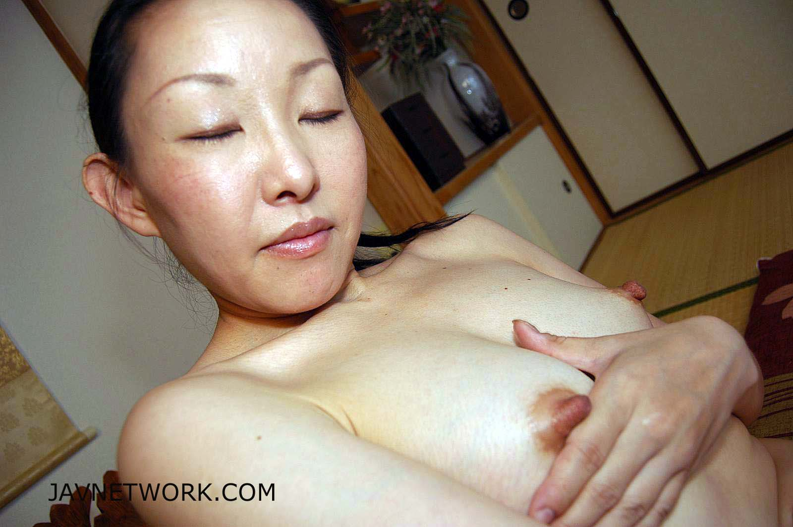 Sirius MILF Nipples of Hot Japanese MILF