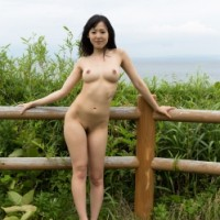 Gravure babe Natsuki Yokoyama goes for an adventure on Monkey Island