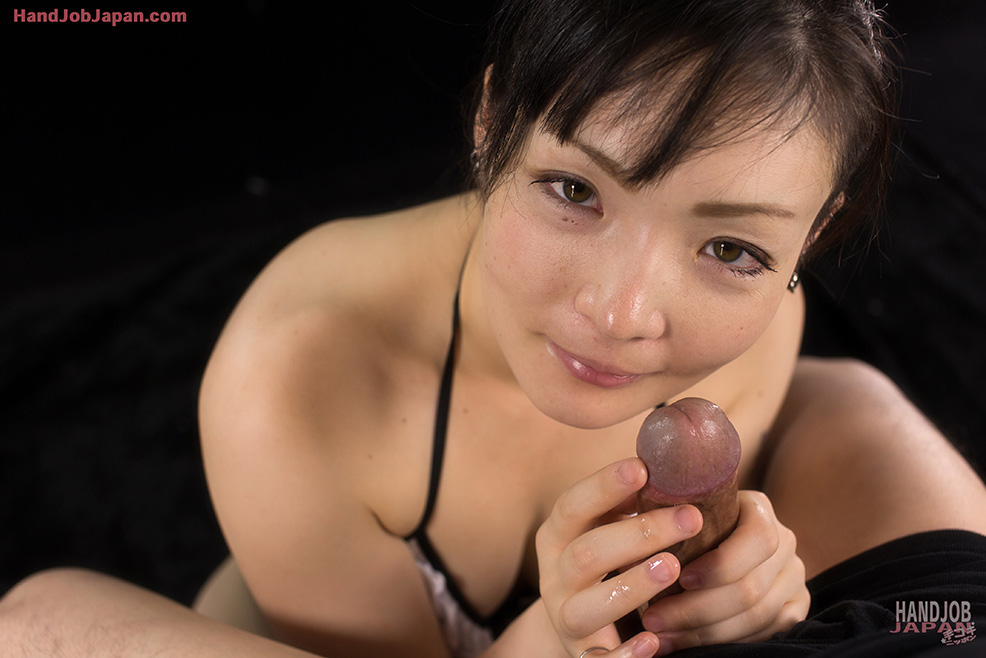 Japanese Girl Yuu Tsuruno Nimble Fingers Queen