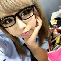 Hot Gyaru Blond with the Nerdy Eyeglasses On