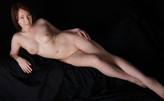 KARIA - shaved pussy Japanese girl