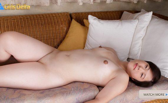 YUZUKA - shaved pussy Japanese girl
