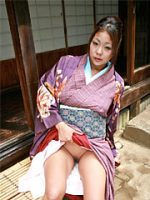 Sexy Asian gal showing her wonderful twat